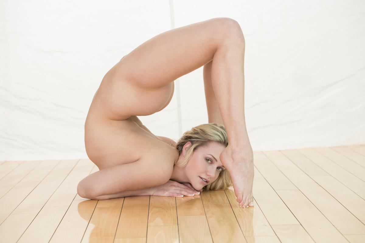 Naomi russel pornstar